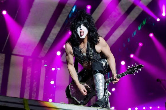 paul-stanley-kiss-farewell