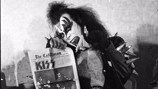 kiss-at-cadillac-high-school-1975-11