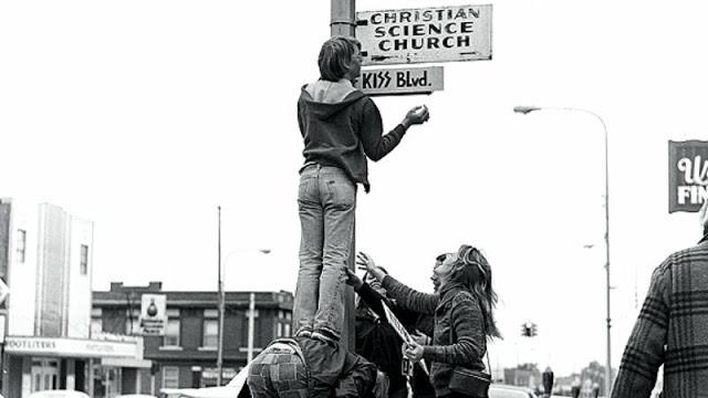 kiss-at-cadillac-high-school-1975-16