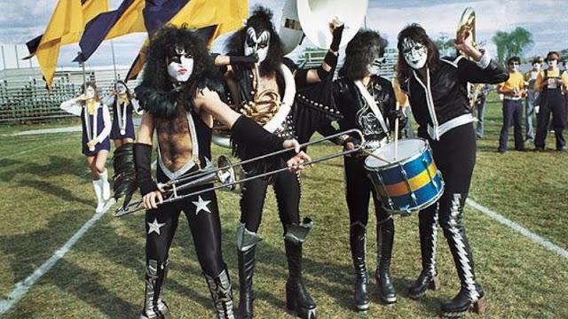 kiss-at-cadillac-high-school-1975-19