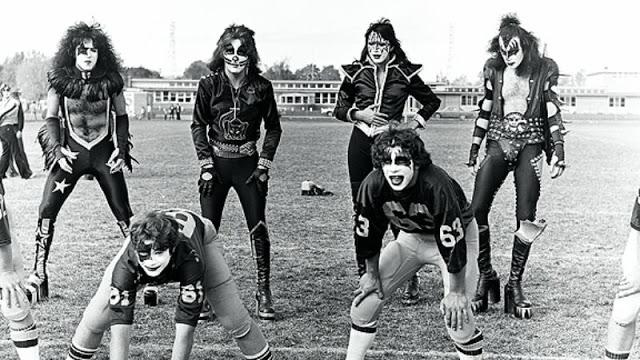 kiss-at-cadillac-high-school-1975-4